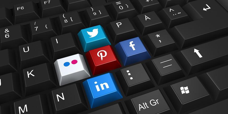 Come sfruttare i social media per la propria attività commerciale - rubrica easyweb mg web service genova